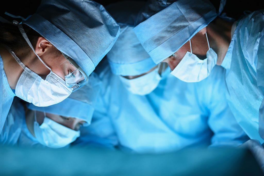 Ini alasan pakaian doktor dan pakar bedah berwarna hijau dan biru